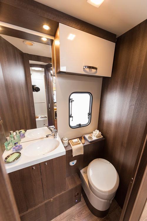 Zefiro-696-washroom haggis motorhomes